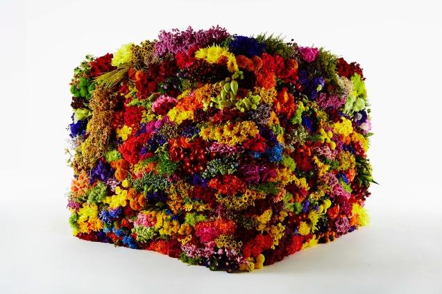 azuma-makoto-box-flowers-designboom-01